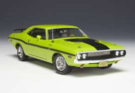 Highway 61 - Dodge  - hw50769 : 1970 Dodge Challenger R/T, sublime with black stripes.
