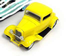 Johnny Lightning - Ford  - JL51105ZZD-1 : 1932 Ford Coupe, yellow