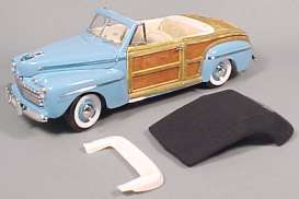 Yatming - Ford  - yat20048b : 1946 Ford Sportsman convertible with wood body *Signature Series*, light blue
