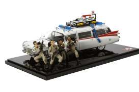 Hotwheels Elite - Cadillac  - hwmvBLY25 : Cadillac Ghostbusters Ecto-1 30th anniversary version with 4 figures all in scale 1/18