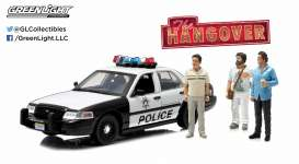 GreenLight - Ford  - gl12911 : 2000 Ford Crown Victoria Police Interceptor *The Hangover 2009* Including 3 figures