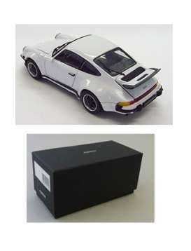 Kyosho - Porsche  - kyo5524w : 1976 Porsche 911 Turbo with openable front Bonnet & Rear Lid, white