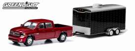 GreenLight - Dodge Trailer - gl32010B : 2014 Dodge Ram 1500 Sport and enclosed Car Hauler With Opening Parts (Mustang on the picture NOT Included).