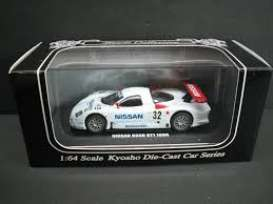 Kyosho - Nissan  - kyo6422G^1 : 1998 Nissan R390 GT1 #32, white/red