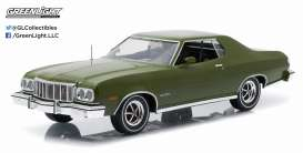 GreenLight - Ford  - gl19018 : 1976 Ford Gran Torino *Artisan Series*, dark green.