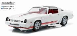 GreenLight - Chevrolet  - gl12906 : 1981 Chevrolet Camaro Z/28, white with red stripes and carmine interior (T-tops included).