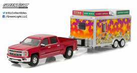 GreenLight - Chevrolet  - gl32070A : 2015 Chevrolet Silverado pick-up and State Fair Concession Trailer *Hitch and tow Series 7*