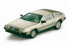 Delorean  - 1981 stainless steel - 1:18 - SunStar - 2701 - sun2701 | The Diecast Company