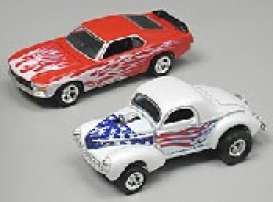 - white and red - 1:64 - Hotwheels - mv56052 - hwmv56052 | The Diecast Company