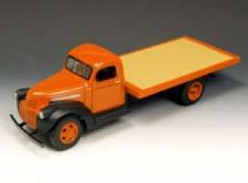 GMC  - 1941 orange - 1:16 - Highway 61 - hw50062 | The Diecast Company