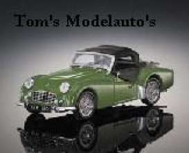 Triumph  - green - 1:43 - Revell - Germany - 28007 - revell28007 | The Diecast Company