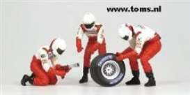 Toyota  - 2002 white/red - 1:18 - Minichamps - 318100063 - mc318100063 | The Diecast Company