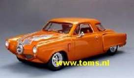 Studebaker  - 1951 metallic orange - 1:18 - Highway 61 - hw50127 | The Diecast Company