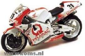 Honda  - 2002 White/Red - 1:24 - IXO Models - rab032 - ixrab032 | The Diecast Company