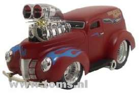 Ford  - 1940 red with blue flames - 1:18 - Muscle Machines - musm61200r | The Diecast Company