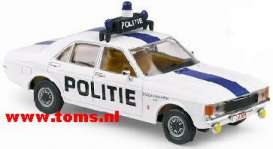 Ford  - White with Blue Stri - 1:43 - Vanguards - va05508 | The Diecast Company