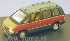 Renault  - 1984 red - 1:43 - Universal Hobbies - eagle02232 | The Diecast Company