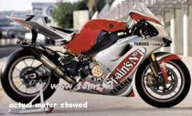 Yamaha  - 2003 silver/red - 1:24 - IXO Models - rab064 - ixrab064 | The Diecast Company