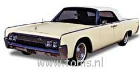 Lincoln  - 1963 light yellow - 1:18 - Ricko - rica2122 | The Diecast Company