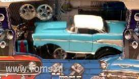 Chevrolet  - 1957 turquoise - 1:24 - Muscle Machines - musm71124B1t | The Diecast Company