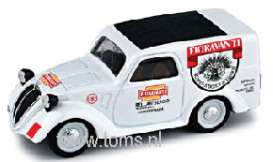 Fiat  - 1950 white - 1:43 - Brumm - bruor366 | The Diecast Company