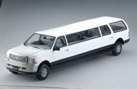 Ford  - Excursion Limousine 2002 oxford white - 1:18 - SunStar - sun3932 | The Diecast Company