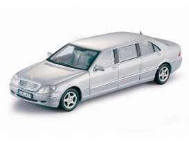 Mercedes Benz  - 2000 silver - 1:18 - SunStar - 4114 - sun4114 | The Diecast Company