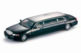 SunStar - Lincoln  - sun4202 : 2003 Lincoln Town Car Limousine, black