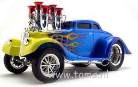 Willys  - 1933 blue w/yellow flames - 1:18 - Muscle Machines - musm65039ABb | The Diecast Company
