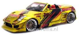 Nissan  - 2004 yellow - 1:18 - Muscle Machines - musm89100ACy | The Diecast Company