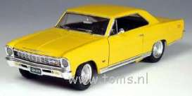 Chevrolet  - 1966 yellow - 1:18 - ERTL - ertl33814 | The Diecast Company
