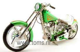 West Coast Choppers  - 2004 green - 1:10 - Muscle Machines - musm71170Ig | The Diecast Company