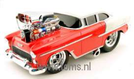 Chevrolet  - 1955 red/white - 1:18 - Muscle Machines - musm69027ABr | The Diecast Company