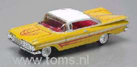 Chevrolet  - 1959 yellow - 1:64 - Revell - US - rmxv3225 | The Diecast Company