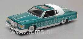 Cadillac  - 1981 green w/white roof - 1:64 - Revell - US - rmxv3209 | The Diecast Company