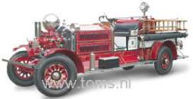 Ahrens  - 1925 Red/White - 1:24 - Yatming - yat20108rw | The Diecast Company