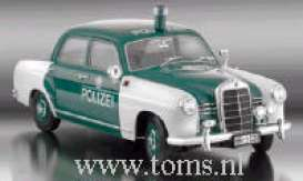 Mercedes Benz  - 1953 green/white - 1:18 - Revell - Germany - 08863 - revell08863 | The Diecast Company