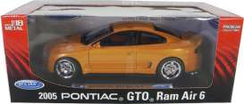 Pontiac  - 2005 orange/black - 1:24 - Welly - 22468SWo - welly22468SWo | The Diecast Company