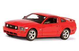 Ford  - 2005 red - 1:24 - Welly - 22464r - welly22464r | The Diecast Company