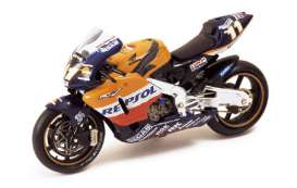 Honda  - 2002 orange/black/blue - 1:24 - IXO Models - rab027 - ixrab027 | The Diecast Company