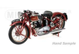 Minichamps - Triumph  - mc122133700 : 1939 Triumph Speed Twin, red