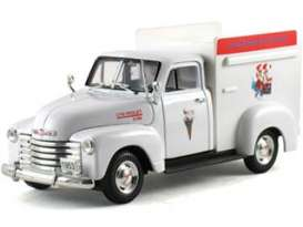 Chevrolet  - 1953 white - 1:32 - Signature Models - sig32396w | The Diecast Company