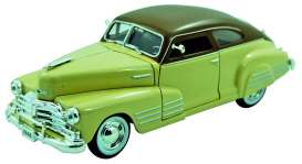 Chevrolet  - 1948 tan w/brown roof - 1:32 - Signature Models - sig32437tn | The Diecast Company