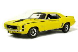 Chevrolet  - 1969 yellow/black - 1:18 - Highway 61 - hw50823 | The Diecast Company
