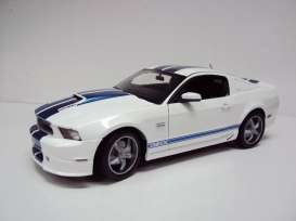 Shelby  - 2011 white/blue - 1:18 - Shelby Collectibles - shelby351 | The Diecast Company