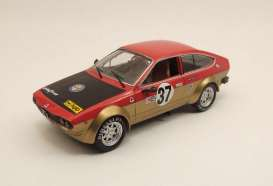 Alfa Romeo  - 1975 red - 1:43 - M4 Collection - m4007153 | The Diecast Company