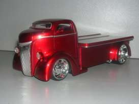 Ford  - 1947 red - 1:24 - Jada Toys - 96233r - jada96233r | The Diecast Company