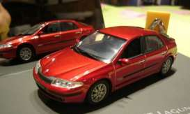 Renault  - met. red - 1:43 - Revell - Germany - 28239 - revell28239 | The Diecast Company