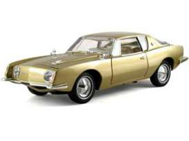 Studebaker  - 1963 gold - 1:18 - Signature Models - sig18101gd | The Diecast Company