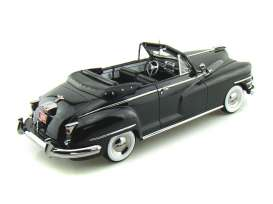 Chrysler  - 1948 black - 1:18 - Signature Models - sig68629bk | The Diecast Company